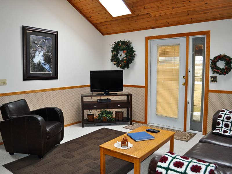 The Cottage interior at Rocky Ridge Country Lodge